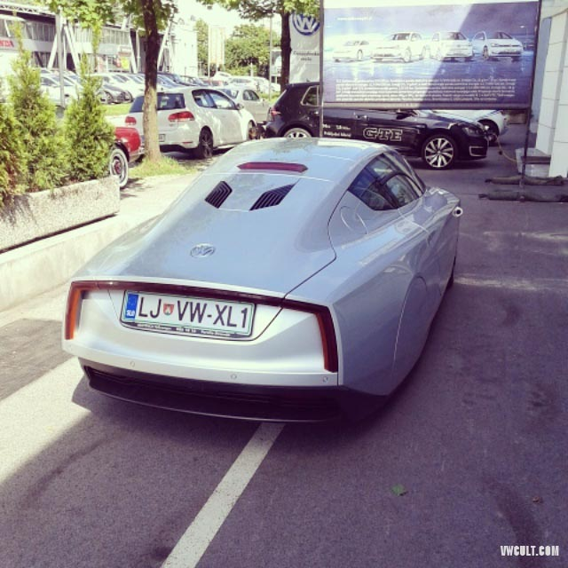 carplate on VW XL1